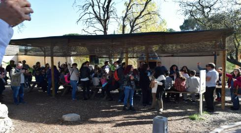 Jornada para Familia Maitours en GREFA
